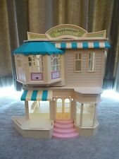SYLVANIAN FAMILIES APPLEWOOD DEPARTMENT STORE WITH PIPPIN'S CAFE COLLECTIBLE