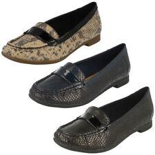 Zapatos planos de mujer mocasines Clarks sintético