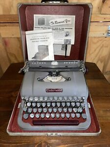 Antique Vintage Underwood Typewriter Finger Flite Champion w Case & Manual Works