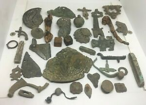 HUGE LOT OF MISCELLANEOUS BRONZE, IRON AND BONE EUROPEAN AREFACTS - 800BC/1500AD