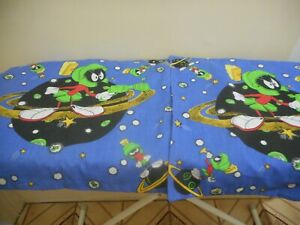 Marvin the Martian Pillow Cases