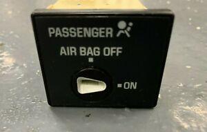 1999-02 CHEVY SILVERADO 1500 PASSENGERS AIR BAG SWITCH right of radio GMC sierra