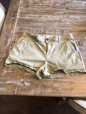 "Women khaki shorts brand is ""a new day"""