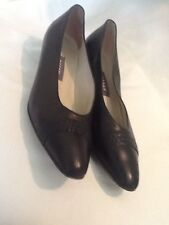 """BALLY Black Leather Classic Pumps Made in Italy Size 8N   Low 1.5"""" Heel"""