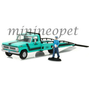 GREENLIGHT 29892 1970 FORD F-350 RAMP TRUCK 1/64 with TRUCK DRIVER FIGURE GREEN