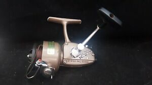 """ANTIQUE COLLECTABLE FIXED SPOOL FISHING REEL {DAIWA 7250 RLA} """"GREAT CONDITION"""""""
