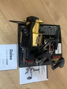 Daiwa Whisker Tournament SS2600 fishing reel boxed immaculate condition