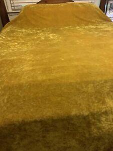 """Vintage 1970's Full Green / Gold  Crushed Velvet Fringed bedspread 94"""" X 105"""""""