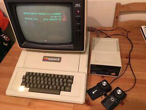 Working 1979 rev 3 Apple II with Integer roms, disk II, manuals, sales receipt