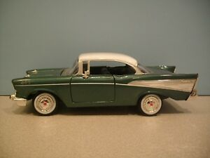 New 1:24 Scale Green & White Color 1957 Chevrolet Bel Air Hard Top By MOTORMAX