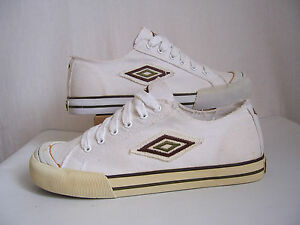 Chaussures Umbro d'exposition neuves toile canvas blanches Solok pointure 41