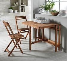 Set con tavolo in legno richiudibile medio e 2 sedie