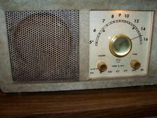 New ListingVintage Newcomb B-100 Am Radio