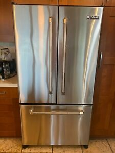 Jenn-Air Stainless steel refrigerator 20 cu ft JFC2087HRP Nice and Clean