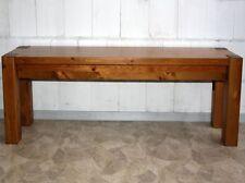 Massive Möbel aus Kiefer fürs Wohnzimmer