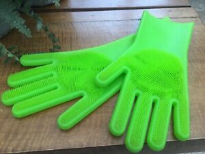 lakeland Silicone Scrubby Cleaning Gloves green cleaning gloves