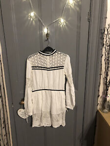 TOPSHOP, WHITE & BLACK, VICTORIAN STYLE, LACED DRESS, SIZE 10. 🤍🖤
