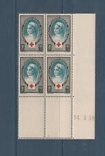 timbre France bloc de 4 coin daté  croix rouge infirmière   num: 422  **