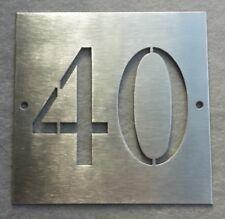 Numero civico 10x10 cm in acciaio_due cifre_traforate
