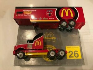 BILL ELLIOTT 1995 MCDONALD'S 1/64 THE AMERICAN RACING SCENE DIECAST HAULER