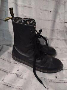 Dr. Doc Martens Stratford Black / Floral Lined Leather Combat Boots Ladies 7 US