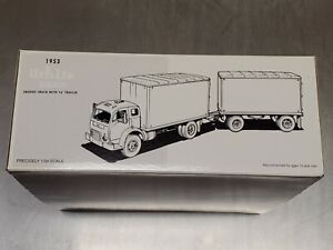 1st Gear Collector's Club 19-0012 1953 White 3000 Freight Truck with 16' Trailer
