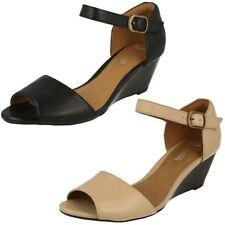 Sandali e scarpe Clarks nero per il mare da donna 100% pelle