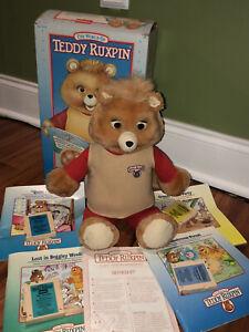 Vintage TEDDY RUXPIN talking bear 4 Books  & Cassettes Playskool In Orig Box