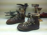 BROWN DISTRESSED COLORADO  LACE UP MOUNTAINEERING HIKING BOOTS 9-10 W