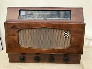 Murphy A186 Valve Radio