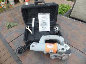CHICAGO ELECTRIC 93009 Concrete Slotting Saw 120V W/ Blade, Case & More