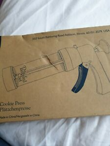 Pampered chef cookie press