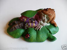 PIXIE lying on Clover Leaf good luck charm ANTHONY FISHER PIXIES GIFT collectibl