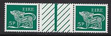 Irlanda: 1969 5p Definitive SG252 Estampillada sin montar desplegado par de canal