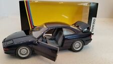 BMW 850i, Schwenkscheinwerfer blau metallic, M 1:24 Schabak 1630
