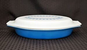Vintage PYREX Snowflake GARLAND Blue DIVIDED Casserole With Lid NICE!