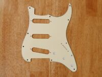 PICKGUARD 3 PLY VINTAGE AGED WHITE FOR STRATOCASTER