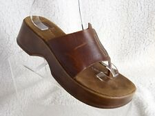 509fb0b14 AMERICAN EAGLE OUTFITTERS 🔥 AEO Sz 9 DARK BROWN LEATHER SLIDE WEDGE SANDALS