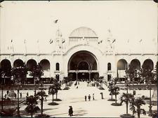 L.G., Paris, Exposition Universelle de 1900. Palais des Fils, Tissus et Vêtement