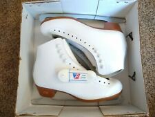 Riedell Model 121 Size 8 Figure Skating Ice Skates Womens SZ 8 - See Details
