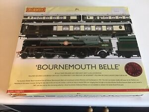 HORNBY 00 GAUGE BOURNEMOUTH BELLE  TRAIN AND CARRIAGE SET