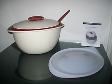 Tupperware Large Insulated Oval Server Bowls, Lids, & Spoon 5 Piece Set Cream