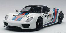 AUTOart 77927 Porsche 918 Spyder Weissach Package (White/Martini Livery) 1:18TH
