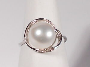 10mm white South Sea pearl ring, diamonds, solid 14k white gold.