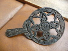 antique  cast  iron  pot  holder  for  grate