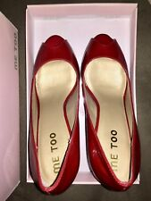 Me Too Peep Toe Red Pumps Size 9
