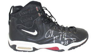 """Alonzo Mourning Signed Miami Heat 1997 Nike Air Black 18"""" Sneakers JSA 30939"""