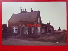 PHOTO  EAST WINCH RAILWAY STATION EXTERIOR VIEW 27/12/85 ON THE LINE BETWEEN KIN