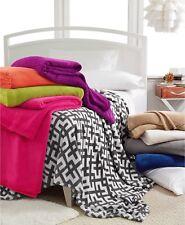"NEW Berkshire SoSoft Geo 60"" x 90"" TWIN Blanket WHITE/GREY Bedding $45 G1458"