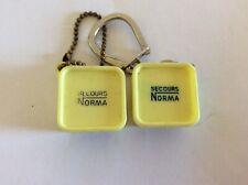 2 Porte clefs Lampe NORMA-Automobile-Miniature Boîte Secours Ampoules-Keychain